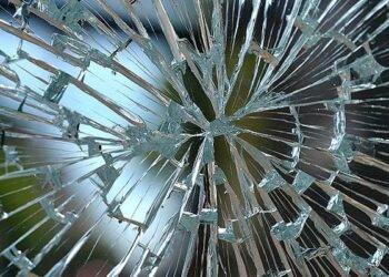Ein gesplittertes Fenster